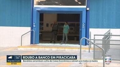 Tiroteio assusta moradores de Piracicaba - Foi durante um roubo a uma agência da Caixa Econômica Federal, no centro da cidade. Moradores contaram que o tiroteio durou cerca de 20 minutos.