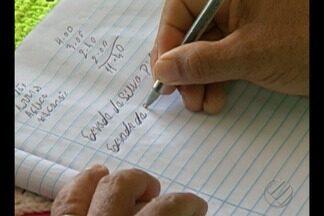 Cada dez paraenses não sabe ler, nem escrever, segundo levantamento do IBGE - Organizações internacionais defendem mais investimentos na educação para mudar esse dado e para que todos possam sentar numa cadeira escolar.