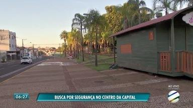 Moradores do Centro de Campo Grande pedem mais segurança - Eles dizem que insegurança é causada por moradores de rua que perambulam diuturnamente na região.