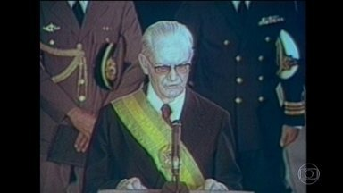 General Geisel autorizou execuções durante a ditadura no Brasil, diz CIA - O governo do General Ernesto Geisel, o penúltimo da ditadura militar, manteve a política de execuções de inimigos do regime, segundo revelou um documento da CIA. A instituição associa assassinatos também a João Figueiredo.