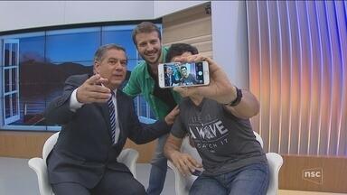 """Matheus Solano e Miguel Thiré falam sobre a peça """"Selfie"""" que será apresentada na capital - Matheus Solano e Miguel Thiré falam sobre a peça """"Selfie"""" que será apresentada na capital"""