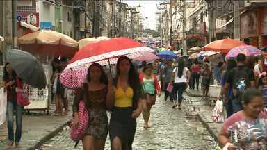 Aumenta movimentação de consumidores em busca de presente para Dia das Mães em São Luís - Segundo uma pesquisa de intenção de compras, este ano 70% dos consumidores da capital querem comprar o presente da mamãe a vista.