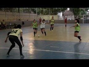 Equipes do futsal feminino de Valadares se preparam para disputas do JEMG - Atletas foram campeãs invictas em campeonato em Ipatinga.