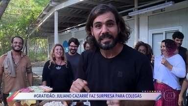 Juliano Cazarré homenageia produção de 'O Outro Lado do Paraíso' - Ator reconhece a importância de todo mundo que trabalhou por trás das câmeras na novela das nove