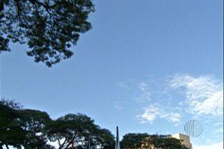 Frente fria pode provocar chuva no Alto Tietê - Apesar disso, temperatura ao longo do dia pode chegar aos 28 graus.