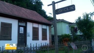 Casa do colono de Petrópolis tem contação de histórias pela Semana Nacional dos Museus - Projeto 'Minha Cidade tem história pra contar' vai até sexta-feira (18).