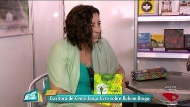Começa Bienal Rubem Braga em Cachoeiro, ES - Manhã ficou movimentada durante evento.