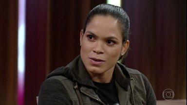 Amanda Nunes explica como lutar sem raiva - Ela comenta luta contra adversária que é sua amiga e conta como são seus treinos