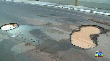 Moradores reclamam de problemas de infraestrutura na Ponta d'Areia em São Luís - Moradores estão insatisfeitos com a grande quantidade de buracos na região.
