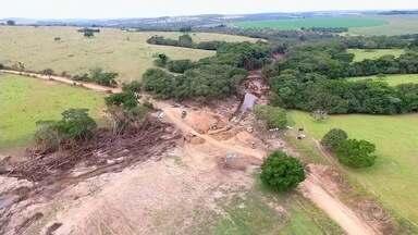 Polícia indicia responsáveis por barragens que se romperam por crime ambiental, em Goiás - Duas barreiras arrebentaram e água causou um grande estrago.