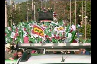 Grito de Alerta em Santo Ângelo reúne mais de três mil agricultores - Representantes de cem municípios do estado reivindicam baixos custos de produção.