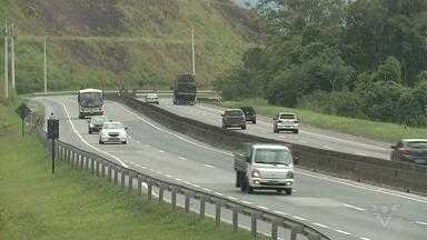 Após melhorias na Rodovia Régis Bittencourt, problemas continuam - Local ainda sofre com o grande número de acidentes, muitos provocados pelo excesso de velocidade.
