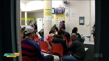 Pacientes aguardam horas por atendimento em hospital pediátrico de Curitiba - No período da noite, segundo alguns pais, teve criança que precisou aguardar perto de oito horas para se atendida.