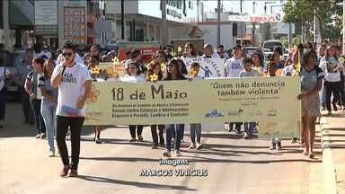 Estudantes realizam em Balsas caminhada contra abuso sexual em crianças - Estudantes fizeram uma caminhada nesta sexta-feira (18) pela cidade para lembrar que é crime também não denunciar casos de abusos de crianças e adolescentes