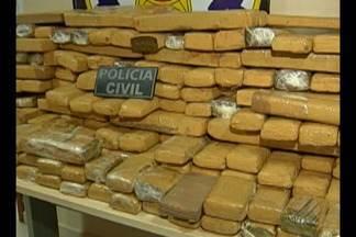 Polícia apreende 200kg de maconha em caminhão - A droga estava escondida no tanque de combustível do veículo