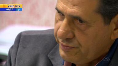Alegando problemas de saúde, prefeito investigado por estupro se afasta de cargo - Antônio Carlos Damin (PDT) vai ficar afastado da função por seis meses.