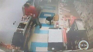 Homem é preso em flagrante por furtar produtos eróticos de um sex shop - undefined