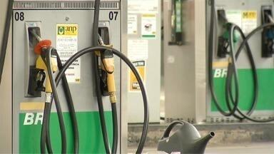 Motoristas estão preocupados com variações nos preços dos combustíveis em Ipatinga - Em alguns postos, movimento tem sido cada vez menor.