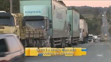 Caminhoneiros mantêm paralisação contra preço do diesel - Caminhoneiros mantêm paralisação contra preço do diesel