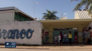 Alunos do CAIC do Gama vão estudar em galpão - Cerca de 500 crianças vão ficar sem aula até 4 de junho para esperar instalações provisórias