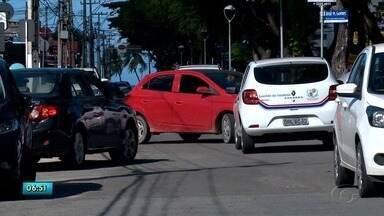 Obra da Casal causa caos no trânsito na Jatiúca - Motorista que passam pelo local se queixam do problema.