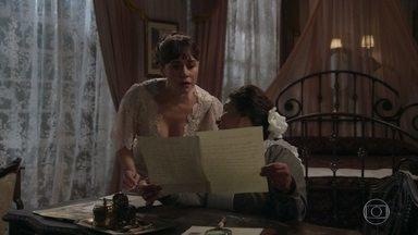Susana apressa Petúlia enquanto ela falsifica a assinatura de Darcy - Olegário escuta tudo atrás da porta