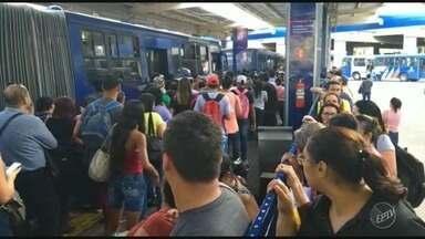 Frota de ônibus em Campinas e cidades da região sofre redução com greve dos caminhoneiros - A partir desta terça-feira (29), transporte público em Campinas volta a operar com 75% da frota.