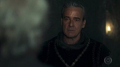 Otávio anuncia que levará Augusto para Lastrilha - Augusto manda Héber se esconder de Otávio e avisa que não confia no Rei
