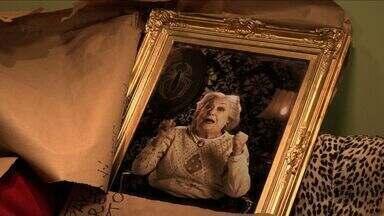 O Quadro - Leocádia recebe um embrulho. É o quadro com a foto de sua avó Berta, presa naquele quadro por bruxaria da sua arqui-inimiga ZZ. Será que Leocádia vai conseguir libertar a avó?