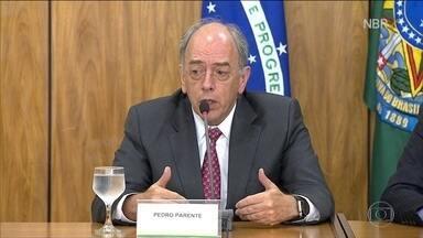 Pedro Parente assumiu estatal com discurso de 'não interferência política' - Há dois anos, logo que foi indicado para a presidência da Petrobras, Pedro Parente deixou claro que a gestão dele não sofreria interferências política.