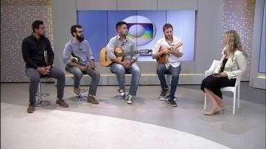 Grupo de choro brasiliense vence prêmio internacional de música independente - Grupo de choro 'Sai na frente' ganhou o IMA, Independent Music Awards, na categoria Álbum de Estreia. E eles ainda ficaram entre os cinco finalistas da categoria Álbum Latino.