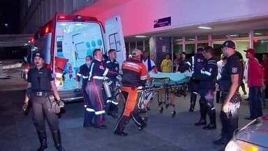Morre jovem mordido por tubarão em Pernambuco - Durante a madrugada desta segunda-feira (4), morreu o jovem que foi mordido por um tubarão em Jaboatão dos Guararapes, no Grande Recife. Foi o segundo caso de ataque na mesma praia, em menos de dois meses.