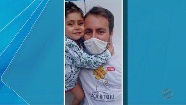 Garoto de três anos que luta contra leucemia precisa de doações de sangue - Garoto de três anos que luta contra leucemia precisa de doações de sangue.