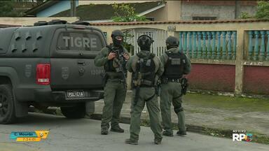 Polícia civil faz operação contra quadrilhas responsáveis por tráfico de drogas no litoral - A policia cumpriu 45 mandados de prisão em Paranaguá, Matinhos e Pontal do Paraná.
