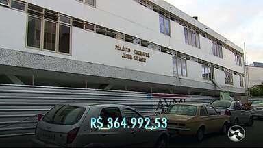 Reformas seguem na sede da Prefeitura e da Câmara de Vereadores de Caruaru - Trabalhos devem continuar até o fim deste mês.