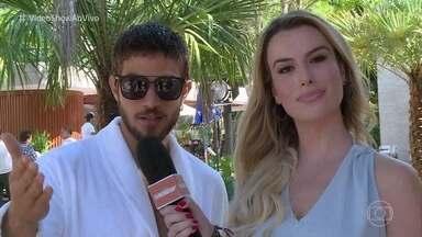 'Vídeo Show' invade a casa de Laureta em 'Segundo Sol' - Personagem de Adriana Esteves está sempre aprontando alguma