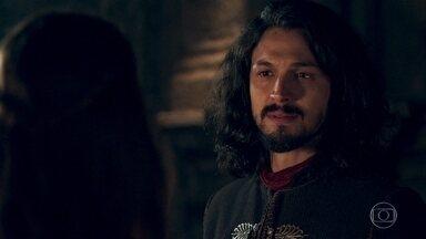 Afonso garante a Amália que jamais pensou em se casar com Catarina - Gregório conta o que o rei de Alfambres