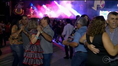 Forró do Beco reúne solidariedade, alegria e música em Petrolina - Essa mistura se repete há 16 anos para ajudar pessoas que lutam contra o câncer.