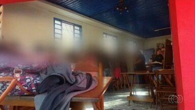 Operação resgata adolescente, grávida e outras 10 mulheres vítimas de exploração sexual - Polícia Civil esteve em seis endereços identificados como casas de prostituição e uma pessoa foi por viabilizar o crime.
