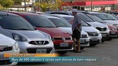Classi reúne mais de 400 carros à venda no estacionamento da TV Anhanguera - Veículos estão disponíveis para negociações durante todo o final de semana.