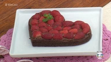 Brownie em formato de coração - Surpreenda o seu amor com esta receita no Dia dos Namorados