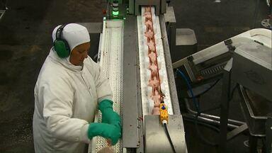 Mercado chinês impõe novas regras aos produtores de frango - União européia já tinha restringido compra da carne.