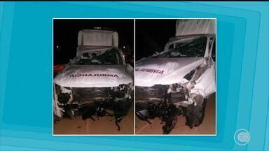 Dois morrem em acidente entre ambulância, carro e caminhão na BR-316 - Dois morrem em acidente entre ambulância, carro e caminhão na BR-316