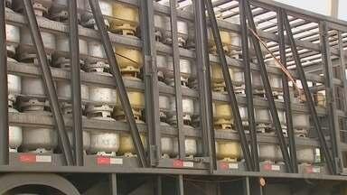 Distribuidoras de Bauru continuam com dificuldade para abastecer estoque de gás de cozinha - Distribuidoras de Bauru continuam com dificuldade para abastecer estoque de gás de cozinha.