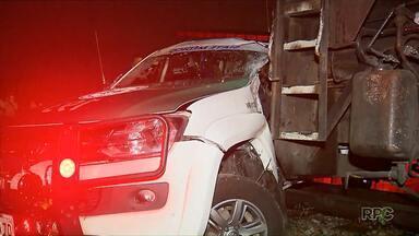 Ambulância é arrastada por um trem em Curitiba - A ambulância foi arrastada por quase 50 metros