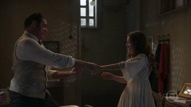 Darcy aceita o pedido de casamento de Elisabeta - A jovem Benedito se declara para o amado e os dois se amam
