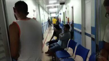 População registra transbordamento de esgoto em unidade de saúde em Manaus - Muitos pacientes ainda reclamaram da falta de atendimentos.