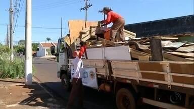 Projeto Cidade Limpa está em Pederneiras - O mutirão da limpeza é uma iniciativa da TV TEM em parceria com as prefeituras e a comunidade. Às 8h, as equipes começam a recolher todo o material.