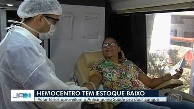 'Anhanguera Saúde' faz campanha para incentivar doação de sangue em Goiânia e no interior - Unidade móvel do Hemocentro ficou no Araguaia Shopping, na capital.