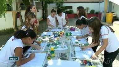 Professores do ES usam a Copa do Mundo para trabalhar conteúdos em sala de aula - As escolas particulares da reportagem ainda não definiram os horários das aulas nos dias de jogos do Brasil.